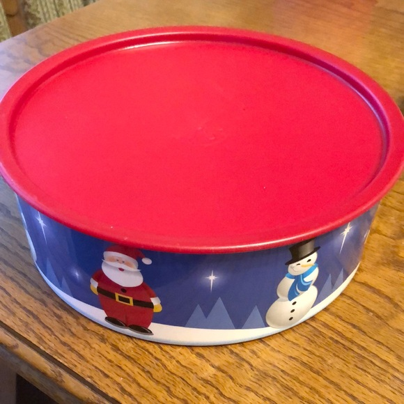 Tupperware Cookie Container